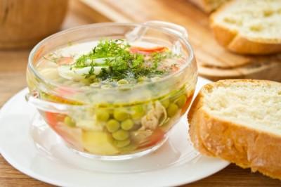 Овочевий суп із зеленим горошком