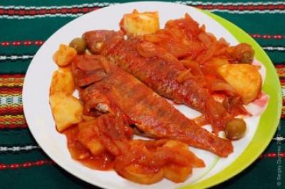Барабулька в томатному соусі