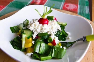 Пікантний салат з черемшею